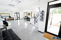 Agentia imobiliara AcasA va prezinta oferta de inchiriere a unui spatiu pentru birouri cu suprafata de 60 mp situat in Galati