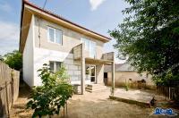 Va propunem spre vanzare o casa Parter + Etaj localizata intr-o zona linistita a Comunei Sendreni, Judet Galati (Cartierul Nou,zona Didona)