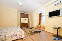 Agentia Imobiliara DELUXE va propune spre cumparare un apartament cu 1 camera situat in Galati, ultracentral, in imediata apropiere a hotelului Galati, la 150 m de Faleza Dunarii.