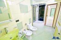 Agentia imobiliara ALEXIS va propune spre cumparare un apartament situat in zona centrala a orasului Galati (Mazepa), compus din trei camere