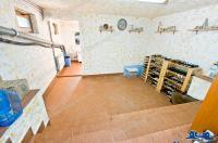 Agentia Imobiliara Deluxe va aduce la cunostinta oferta de inchiriere/vanzare a unei vile situata in zona centrala a orasului Galati