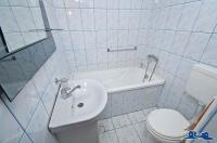 Agentia imobiliara AcasA va propune spre cumparare un apartament cu 2 camere (mansarda) in Galati, zona Magazin General