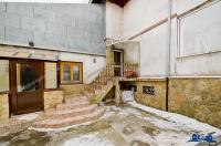 Va prezentam oferta de vanzare pentru o proprietate situata in Galati, zona IC Frimu, in care doua familii pot locui