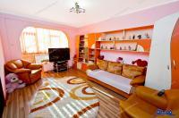 Vanzare apartament 2 camere in Galati, Micro 17, etaj intermediar, centrala termica, AC