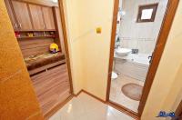 apartament cu 3 camere situat in Galati, zona Piata centrala, dotat cu centrala termica si aer conditionat