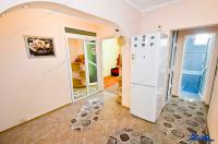 Vanzare apartament 3 camere in Galati, Micro 18, centrala termica, mobilat, etaj intermediar