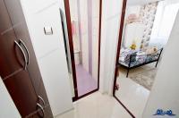 Agenția Imobiliara Deluxe va aduce la cunoștința oferta de inchiriere a unui apartament cu 3 camere semidecomandate situat in Galati, in zona Tiglina 1