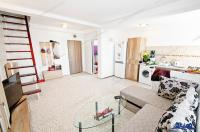oferta de vanzare a unui apartament cu 2 camere (mansarda) situat in Galati, zona Micro 21