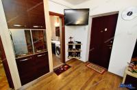 Agentia imobiliara LOYAL HOUSE va propune spre cumparare un apartament cu doua camere decomandate intr-o zona frumoasa a orasului Galati, Piata Centrala