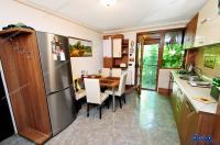 Agentia imobiliara AcasA va propune spre achizitionare un apartament cu trei camere decomandate situat in Galati, cartierul Mazepa 1 (la Piata Ancora)
