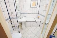 Agenția Imobiliara Deluxe va aduce la cunoștința oferta de inchiriere a unui apartament cu 2 camere decomandate situat in Galati, in zona Mazepa 2