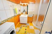 Agentia imobiliara PROACTIV va prezinta o proprietate de vanzare in Galati, zona Metro, compusa din doua cladiri