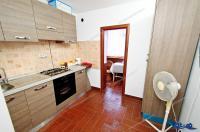 Agentia imobiliara AcasA va face cunoscuta oferta de vanzare a unui apartament cu 3 camere situat in Galati, zona Siderurgistilor