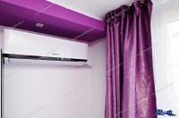 Se inchiriaza in regim hotelier un apartament cu o camera situat in Galati, Tiglina 1, vis a vis de Orange Shop, cu acces direct din Str. Brailei