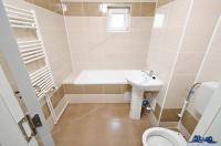 Agentia imobiliara Imostar va prezinta oferta de vanzare a unui apartament decomandat cu 2 camere situat in Galati, cartier Micro 17