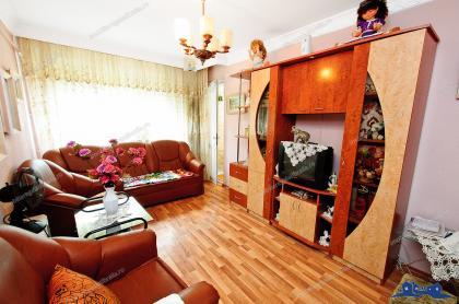 Agentia imobiliara AcasA va propune spre cumparare un apartament cu 2 camere decomandate situat in Galati, Micro 13