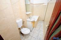 Agentia Imobiliara DELUXE va aduce la cunostinta oferta de vanzare a unui apartament cu o camera situat in Galati, cartier Micro 17