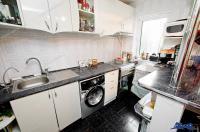 Agentia Imobiliara AcasA va propune spre cumparare un apartament cu 2 camere decomandate situat in Galati, zona Micro 38