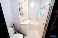 Agentia imobiliara LOYAL HOUSE va propune spre cumparare un apartament cu doua camere decomandate situat in zona Micro 17 a orasului Galati