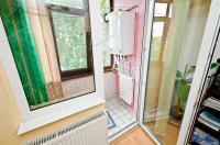 Agentia imobiliara AcasA va propune spre cumparare un apartament cu 2 camere decomandate situat in Galati, cartier Micro 13