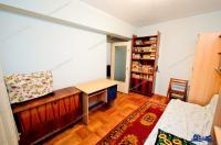 ACASA Imobiliare va propune spre cumparare un apartament decomandat cu 2 camere situat in Galati, cartier Tiglina 1