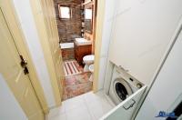 Proprietar, vand apartament decomandat cu 3 camere situat in Galati, zona Micro 20, etaj 3/4