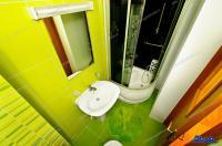 Agentia Imobiliara DELUXE va aduce la cunostinta oferta de inchiriere a unui apartament decomandat cu 3 camere situat in Galati, pe Faleza Dunarii
