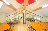 Vand imobil in Galati, zona foarte usor accesibila (Nae Leonard), in care se desfasoara in prezent activitati de restaurant, laborator de cofetarie, brutarie, magazin mixt