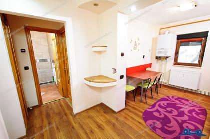 Va prezentam oferta de vanzare a unui apartament decomandat cu 2 camere complet utilat si mobilat, situat in Galati, Mazepa, pe strada Ovidiu