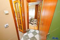 Agentia Imobiliara Familia va prezinta spre vanzare un apartament cu 4 camere decomandat situat in Galati, pe strada Nae Leonard