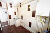 Agentia Familia va prezinta oferta de vanzare a unui apartament cu 1 camera situat in Galati, Micro 20 la parter, zona capatul troleului