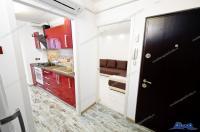 Agentia imobiliara Alexis va propune spre cumparare un apartament decomandat cu 3 camere situat in Galati, zona Micro 17