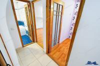 Agentia imobiliara Familia va propune spre vanzare un apartament decomandat cu 3 camere situat in Galati, Micro 21 zona Kaufland