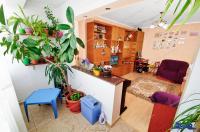 Agentia Imobilis va propune spre cumparare un apartament decomandat cu 3 camere situat in Galati, Micro 20