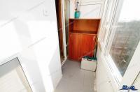 Apartamentul se vinde in Galati, intr-unul din P-urile de pe Aleea Teilor din Centru, zona Faleza