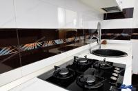Proactiv Imobiliare Galati va face cunoscuta oferta unui generos apartament cu doua camere situat in complex Vega din strada Basarabiei colt cu strada G. Cosbuc