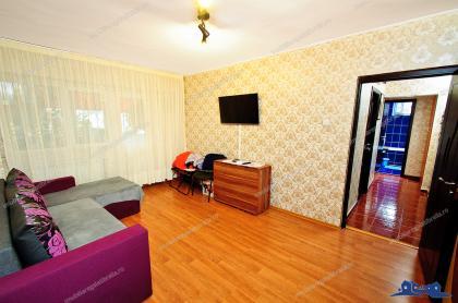 Agentia Imobiliara Familia va propune spre vanzare un apartament cu doua camera decomandate situat in Galati, cartier Micro 18, zona Neacsu - Dunarea Mall
