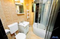 Agentia Imobiliara DELUXE va prezintă oferta de inchiriere a unui apartament decomandat cu 2 camere, situat in Galati, zona Centru