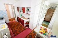 Particular, vand apartament semidecomandat cu 2 camere situat in Galati, cartier Mazepa 2, str. Rosiori, parter