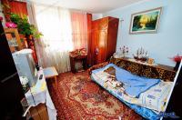 Agentia Imobiliara Familia va propune oferta de vanzare a unui apartament decomandat cu doua camere situat in Galati, cartier Micro 20, zona Magnus