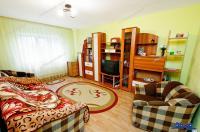 Agentia Imobiliara Familia va propune spre cumparare un apartament cu doua camere decomandate situat in Galati, cartier Micro 21, zona Kaufland