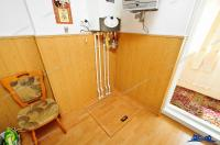 Agentia Imobiliara AcasA va propune spre cumparare un apartament cu 2 camere decomandate situat in Galati, cartier Micro 20