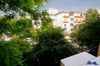 Persoană fizică vand apartament decomandat cu 2 camere situat in Galati, Mazepa 2 (vizavi de Biserica Trei Ierarhi), bloc M13