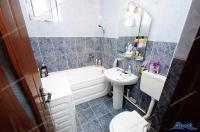 Va prezentam oferta de vanzare a unui apartament decomandat cu 2 camere situat in Galati, catier Micro 20, Bld. Dunarea