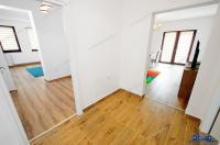 Agentia Imobiliara Proactiv va prezinta oferta de inchiriere a unui apartament decomandat cu 3 camere situat in Galati