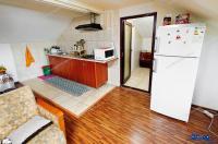 Particular, inchiriez apartament tip duplex cu 5 camere dispus intr-o vila situata in Galati, zona Piata Centrala, pe strada Movilei