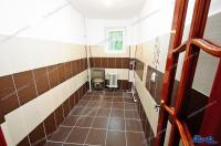 Agentia imobiliara Loyal House va propune spre cumparare un apartament cu 2 camere semidecomandate situat in Galati, zona Centru