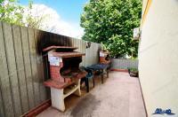 oferta de vanzare a unui apartament cu 5 camere decomandate situat in Galati, zona Micro 16