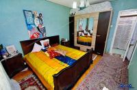 Apartament semidecomandat cu trei camere de vanzare in Galati, pe Aleea Comertului in Micro 19