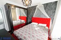 Agentia Imobiliara DELUXE va prezinta oferta de vanzare, a unui apartament cu 3 camere decomandate, situat in Galati, Mazepa 1